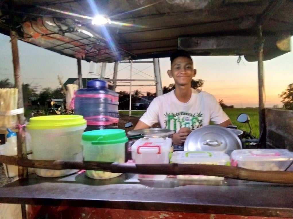 Jolimil Reyes Fish Ball Vendor