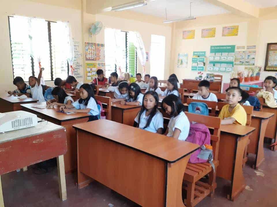DepEd Neutral School Desks